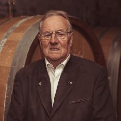 Weingut Bastianshauser Hof - Familie Erbeldinger - Sebastian Senior