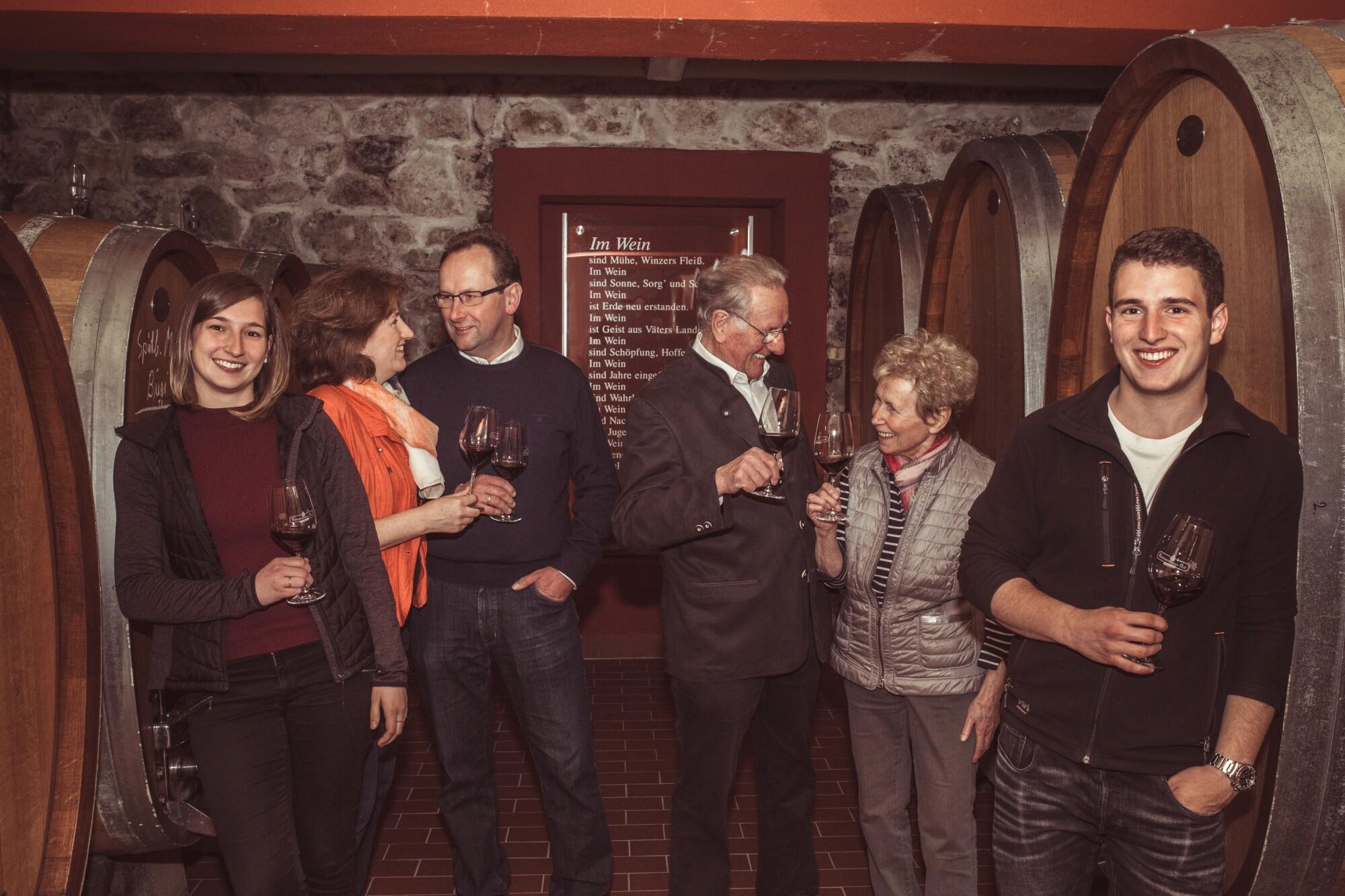 Weingut Bastianshauser Hof - 3 Generationen, 1 Ziel